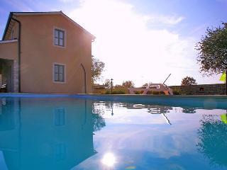 Nice 4 bedroom Villa in Kanfanar - Kanfanar vacation rentals