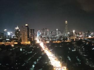 NEW HIGH RISE BUILDING. CENTRAL LOCATION. - Bangkok vacation rentals