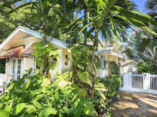 2 bedroom House with Internet Access in Palm Beach - Palm Beach vacation rentals