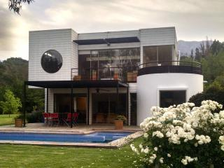 Beatiful family house in Laguna de Aculeo - Paine vacation rentals