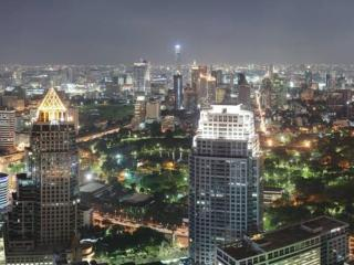 NEW HIGH RISE BUILDING. EXCELLENT LOCATION! - Bangkok vacation rentals