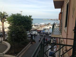 La nostra casetta (centralissimo sul porto) - Anzio vacation rentals