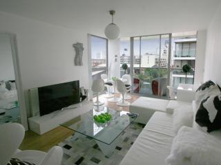 Abbott's Wharf Designer Lux - London vacation rentals