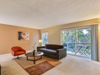 Next to Stanford and in the Oaks with Pool/Tennis - Palo Alto vacation rentals