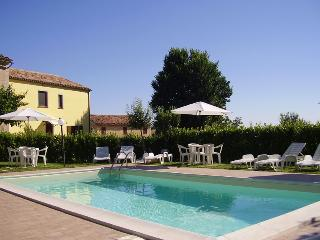 Agriturismo L'Olmo di Casigliano - Cessapalombo vacation rentals