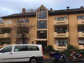 Apartment Würzburg mit Balkon 27qm privat, saniert - Würzburg vacation rentals