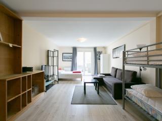 Convenient Pantin Studio rental with Internet Access - Pantin vacation rentals