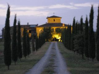 Apartment in the Grounds of Farmhouse with pool - Arezzo vacation rentals