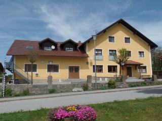 Frühstückspension Hochleitner - Aicha vorm Wald vacation rentals