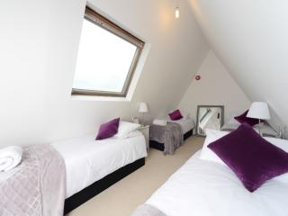 Beautiful top floor town centre apartment - Bournemouth vacation rentals