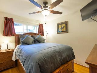 Cozy Queen Bed at Needful Things - El Cerrito vacation rentals