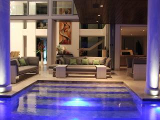 Suite In Modern Villa At Golf Course w Breakfast - Santa Ana vacation rentals