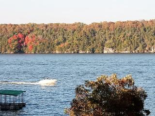 Waterfront Main Channel View, 2 bdrm, easy access - Osage Beach vacation rentals