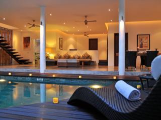 2 BR Villa La Sirena, 100m to SEMINYAK BEACH. - Seminyak vacation rentals