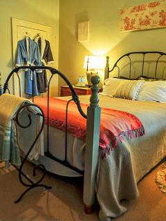 Cromwell House B&B Inn The Hain suite - Cooma vacation rentals