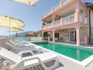 Budget house with pool, 1 km from city centre - Trogir vacation rentals