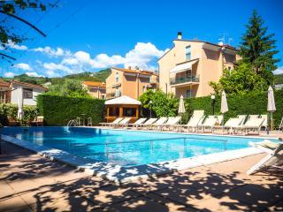 appartamento in zona residenziale - Pietra Ligure vacation rentals