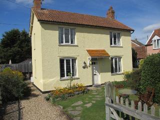 Woodbine Cottage, Bleadon, Weston s mare. BS24 0QD - Bleadon vacation rentals