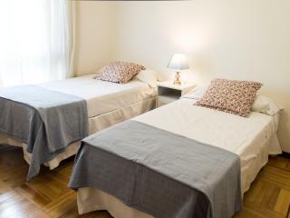 Luminoso apartamento cerca de las ventas - Madrid vacation rentals