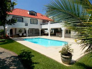 VERY NICE SOLAR HOUSE NEXT TO THE OLYMPIC CENTER. - Rio de Janeiro vacation rentals
