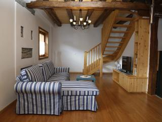 Bright 2 bedroom Ovaro House with Satellite Or Cable TV - Ovaro vacation rentals