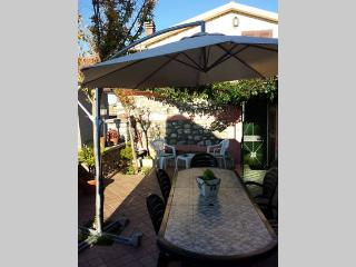 Charming 1 bedroom Fiuggi House with Television - Fiuggi vacation rentals