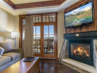 Luxury Awaits at this 1Bedroom Ski In/Out Condo! - Breckenridge vacation rentals