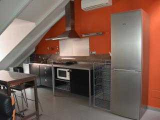 Romantic 1 bedroom Madrid Condo with Television - Madrid vacation rentals
