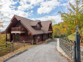 """Great Alpine Lodge"" ~ Huge 6 BR Log Cabin, Direct Mountain Views, Pool Access - Gatlinburg vacation rentals"