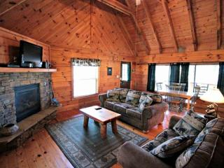 Townsend Cabin #1 Black Bear, Next to Heaven Trail Rides & Zip Lines - Townsend vacation rentals