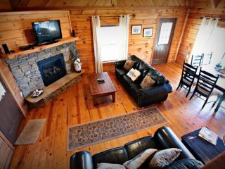 Townsend Cabin #4 Rich Mt View, Next to Heaven Trail Rides & Zip Lines - Townsend vacation rentals
