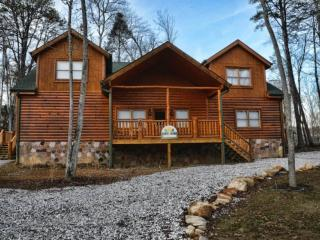 Perfect Cabin with Balcony and Private Indoor Pool - Cosby vacation rentals