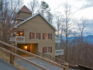Perfect Gatlinburg Getaway! Game Room - Hot Tub - WiFi - Gatlinburg vacation rentals