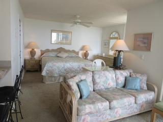 Beautiful 4th floor Gulf view, right on the beach - Fort Myers Beach vacation rentals