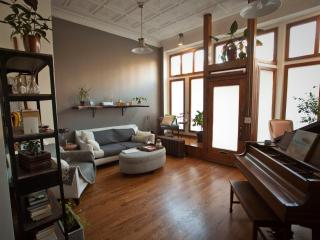 Cozy, Beautiful, Vintage-drenched Storefront Loft - Chicago vacation rentals