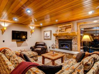 Heaven at 4 O'Clock - Ski in/out, Community pool! - Breckenridge vacation rentals
