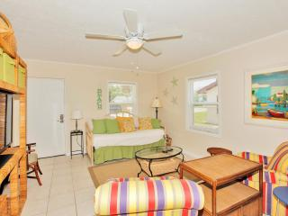 Adorable Condo with Television and DVD Player - Panama City Beach vacation rentals