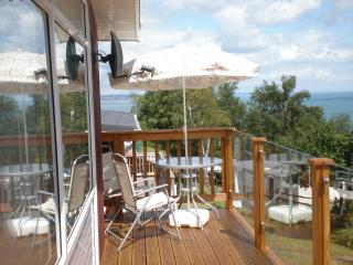 SECURE GATED DETACHED CHALET SEA VIEWS FROM DECK - Teignmouth vacation rentals