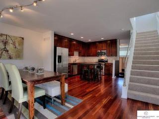Gorgeous, Clean Downtown Home Near Old Market, Zoo - Omaha vacation rentals