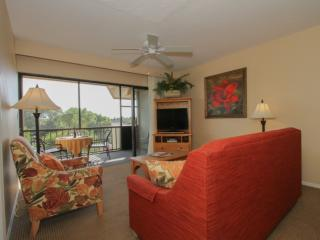Park Shore Resort, 4th Flr., w/GORGEOUS VIEWS! West of Hwy 41- 1.25 Miles to - Naples vacation rentals