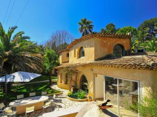 Bright 4 bedroom House in Valbonne - Valbonne vacation rentals