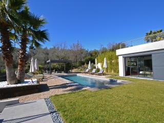 Lovely 4 bedroom Valbonne House with Private Outdoor Pool - Valbonne vacation rentals