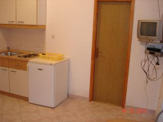 Cozy 1 bedroom Condo in Brodarica with A/C - Brodarica vacation rentals