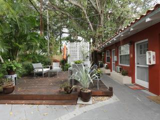 Garden Studio, Jewel-Off Brickell, WiFI - Image 1 - Coconut Grove - rentals