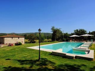 5 bedroom Villa in Bucine, Siena and surroundings, Tuscany, Italy : ref 2307239 - Bucine vacation rentals