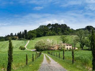 6 bedroom Villa in Castiglion Fiorentino, Cortona and surroundings, Tuscany, Italy : ref 2307274 - Castiglion Fiorentino vacation rentals