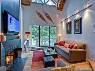 'Gables' Modern & Luxurious 3BR / Amazing Location! - Whistler vacation rentals