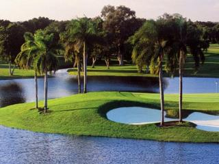 Luxurious Condos on the World Famous Blue Monster Golf Course in Miami - Miami vacation rentals