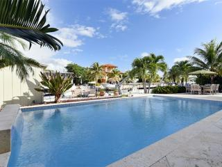 **HUGE Summer Discounts!** Luxurious Key Largo Family Home with Pool & Large Dock - Key Largo vacation rentals