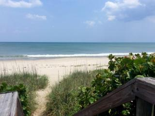 *Fall Promo* Remodeled Beach House, Steps from the Beach, Perfect for Families, Snowbirds! - Indialantic vacation rentals